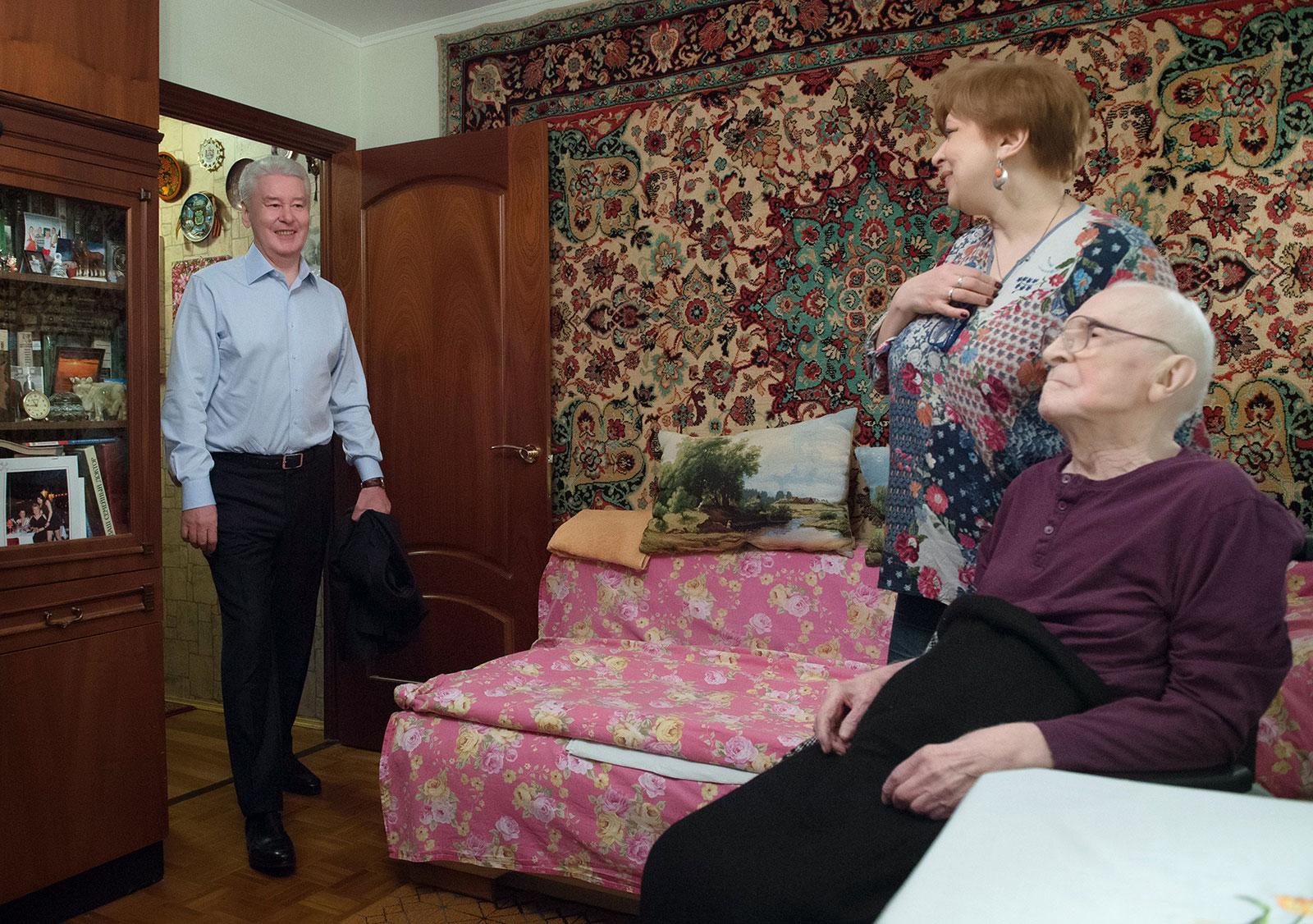 Помощь лежачим больным на дому москва пансиона для престарелых